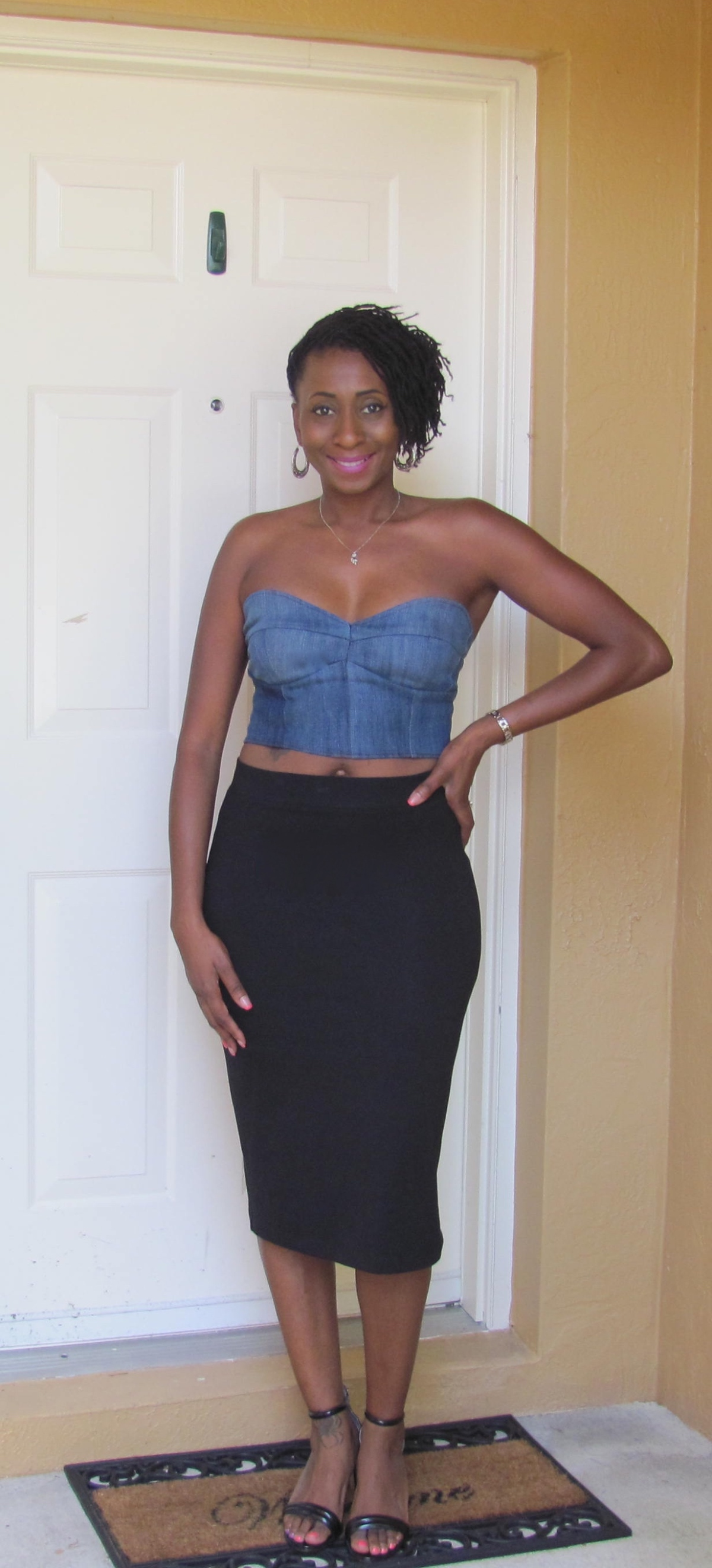 DIY: Bustier Made From Old Pair of Jeans (Draping)